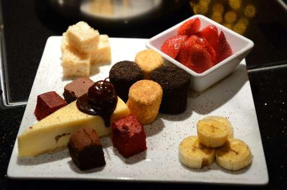 Melting pot restaurant dessert plate limo service for Az cuisine dessert
